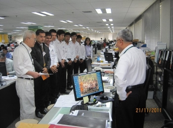 Internship students learned about Thai Obayashi's working process, 2011