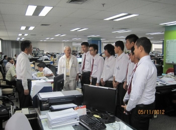 Internship students learned about Thai Obayashi\'s working process, 2012